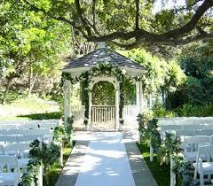 wedding locations choosing the outdoor wedding location