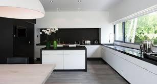 cuisine blanche design modele cuisine noir et blanc noir et blanc habillent la