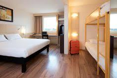 ibis chambre familiale salle de bain des chambres de l hôtel ibis luxembourg aéroport http
