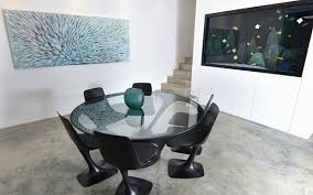 dining room table fish tank video the 14m chelsea art house with a fish tank wall between