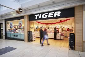 stannah lift raising flying tiger goods