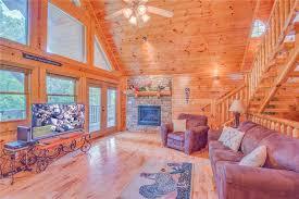 Gatlinburg Cabins 10 Bedrooms Hemlock Manor 3 Bedrooms Wifi Game Room Tub Fireplace