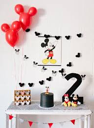 mickey mouse table l rads modern mickey mouse birthday party the alison show mickey