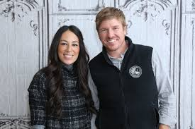 chip and joanna gaines of