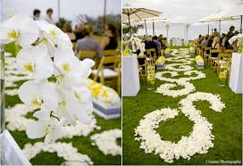 petal aisle runner diy aisle runner inspiration the crafty esquire