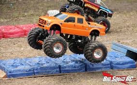 rc monster trucks videos monster truck madness 15 u2013 crush cars big squid rc u2013 news