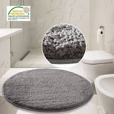 Gray And White Bathroom Rugs White Bathroom Decorating Design Ideas Using Furry Light Grey Shag