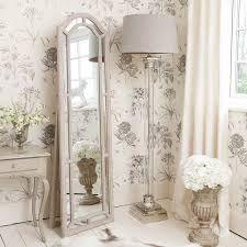 White Shabby Chic Bedroom by Best 25 French Bedroom Decor Ideas On Pinterest French Inspired