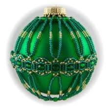 free beaded christmas ornament pattern featured in sova