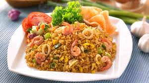 membuat nasi goreng cur telur nasi goreng seafood it s asian style food hi carb low fat low