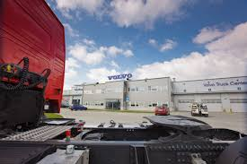 volvo truck center daily cars volvo inaugura el volvo truck center en polonia