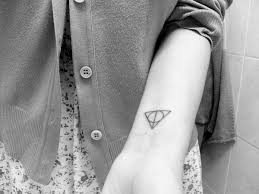 25 stunning triangle tattoo designs slodive