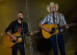 dierks bentley family jon pardi is u0027living the dream u0027 on the road with dierks bentley