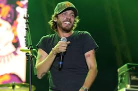 leave a light on garth brooks watch garth brooks inducts chris janson into grand ole opry