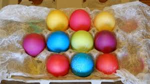 how to dye easter eggs with food coloring youtube