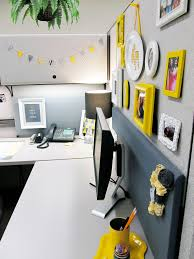 Desk Decorating Stylish Cubicle Yes It U0027s Possible Sayeh Pezeshki La Brand
