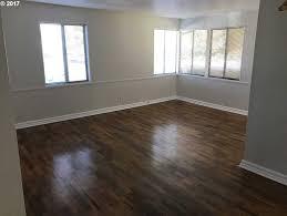 Laminate Flooring Eugene Oregon Mls 17088602 2804 Alder St Eugene Or 97405 Matt Sutten