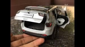 jeep compass 2017 trunk diecast unboxing 2017 jeep compass grey 1 18 p with loop