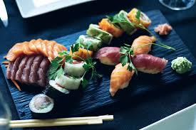 cuisine japonaise sushi saumon japonais cuisine photo gratuite sur pixabay