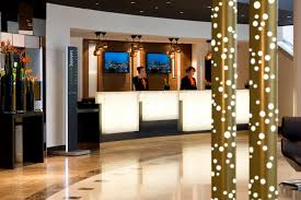 hotel qui recrute femme chambre pullman la défense recrute valet femme de chambre