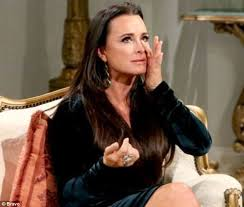 kyle richards needs to cut her hair kyle richards gold wedding ring taken in break in daily mail online