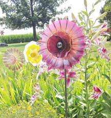 Glass Garden Decor 184 Best Diy Glass Flower Yard Decor Images On Pinterest Glass