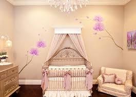20 idées douces de décoration de la chambre bébé fille lit