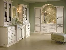 Master Brand Cabinets Inc by Homecrest Cabinets For A Traditional Bathroom With A Traditional