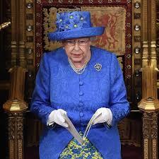 queen elizabeth ii u0027s eu flag hat popsugar fashion