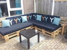 canapé de jardin en palette salon de jardin en palette une solution écolo offrant de nombreuses