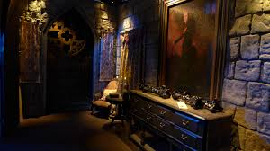 halloween horror nights 2015 rumors behind the thrills spotlight u0027crimson peak u0027 brings gothic