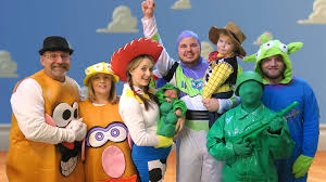 halloween costumes for family of 3 with a baby toy story halloween special daily bumps halloween special 2015