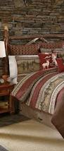Log Home Bedroom Decorating Ideas by Best 25 Log Cabin Bedrooms Ideas On Pinterest Rustic Cabin