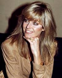 updated farrah fawcett hairstyle tanya roberts charlie s angels 76 81 herečky pinterest