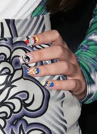 wearing a name on your nails is kind of awesome check out hailee