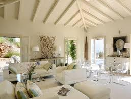 gestaltung wohnzimmer weißes wohnzimmer mediterräner wohnstil decken gestaltung