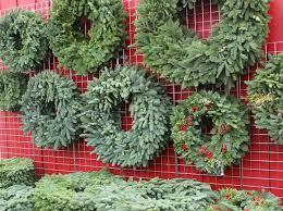 live christmas wreaths live christmas wreaths at the barn nursery chattanooga tn 112014