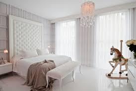 vorhänge schlafzimmer besorgen sie sich blickdichte vorhänge in weiß für ihr schlafzimmer