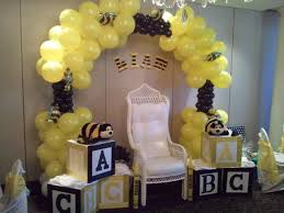 balloons bumble bee Julia first birthday Pinterest