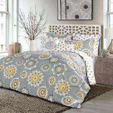 Yellow Grey Bedroom Designs  Visually Pleasant Yellow And Grey - Grey and yellow bedroom designs