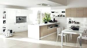 cuisine bois blanche cuisine bois et blanc deco enfant ikea photo placards plan de