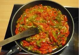 cuisiner le poivron vert poivrons poêlés chez careli