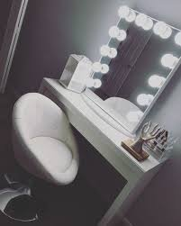 Vanity Stools And Chairs Gorgeous White Glamorous Vanity Chair Modern Trends Pinterest