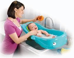 Babies In A Bathtub Which Is The Best Bathtub For Your Baby Read Our Reviews