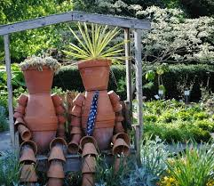 Outdoor Yard Decor Ideas Upcycled Garden Art Projects Recycled Things