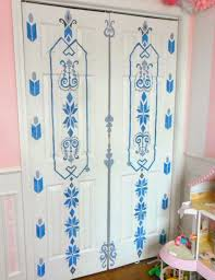 love this frozen inspired painted door of elsa u0027s bedroom door with