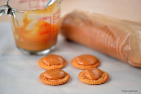 turtle cookies caramel filled ritz sandwiches