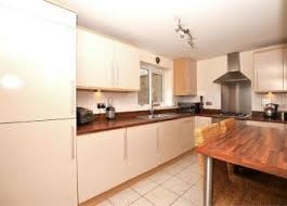 One Bedroom Flat For Sale In Hounslow Property For Sale In Hayes Buy Properties In Hayes Zoopla