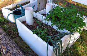 How To Make Self Watering Planters by Wicking U201d How To Make U201cself Watering U201d Veggie Boxes U0026 Gardening