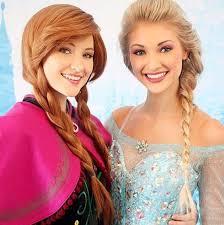 sisters frozen cosplayers dorkly